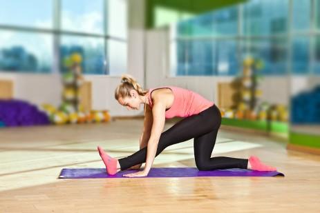 Растяжка для начинающих — виды, упражнения и техника выполнения
