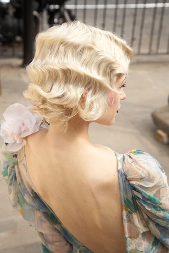 Романтичные волны на локонах на короткие волосы