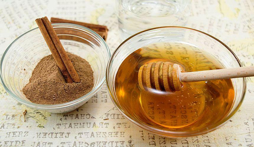 Маска из меда и корицы